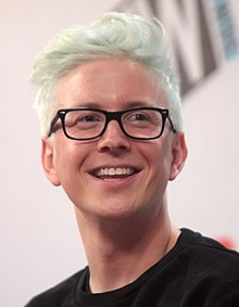 Tyler Oakley Wiki,Biography, Net Worth