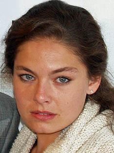 Alexa Davalos Wiki,Biography, Net Worth