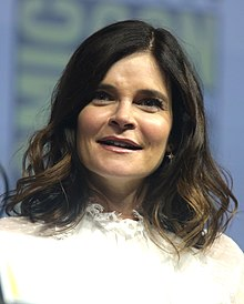 Betsy Brandt Wiki,Biography, Net Worth