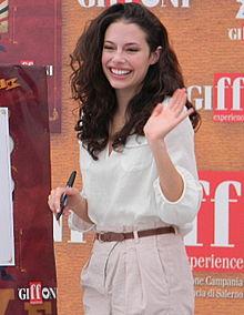 Chloe Bridges Wiki,Biography, Net Worth