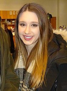Taissa Farmiga Wiki,Biography, Net Worth